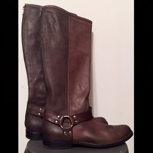 Frye Harness Boot Phillip Tall 8.5 Smoke Brown